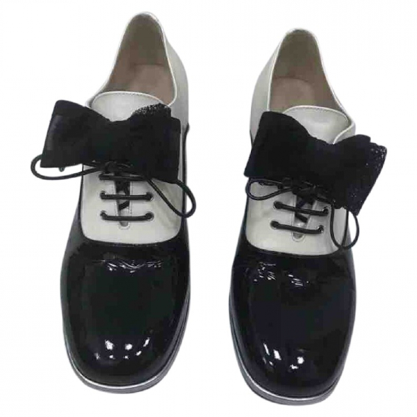 Chanel Black Patent Leather Lace Ups