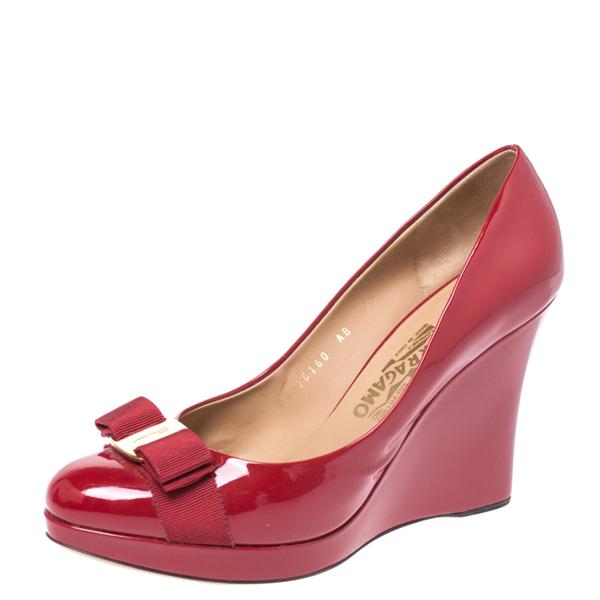 Salvatore Ferragamo Red Patent Leather Flo Vara Bow Wedge Pumps Size 40