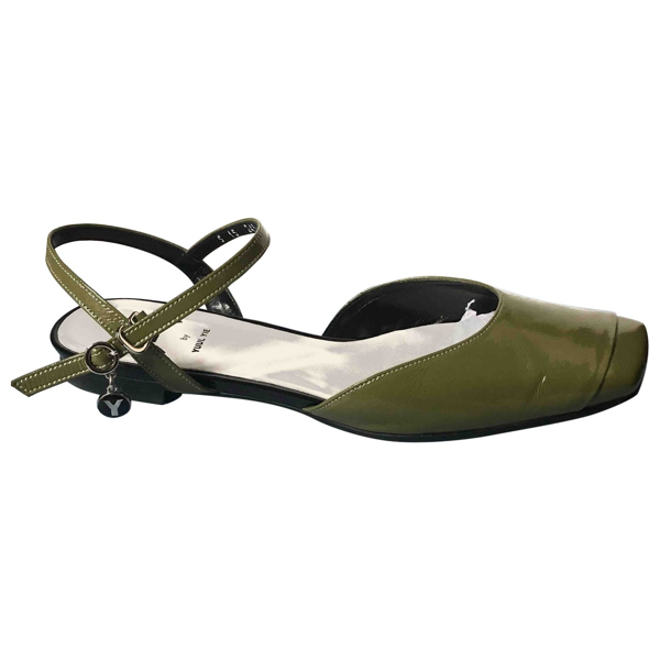 Yuul Yie Green Patent Leather Sandals