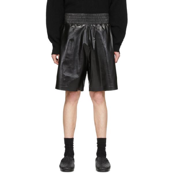 Bottega Veneta Shinny Leather Élastic Bermudas In 1000 Black