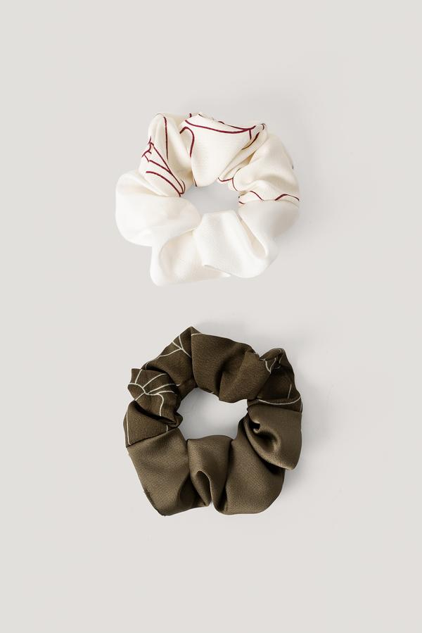 Na-kd 2-pack Slim Blossom Line Scrunchies Green In Khaki Sand