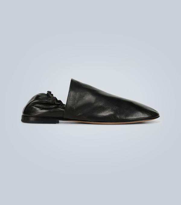 Bottega Veneta Men's Unstructured Leather Loafers In 1000 Black