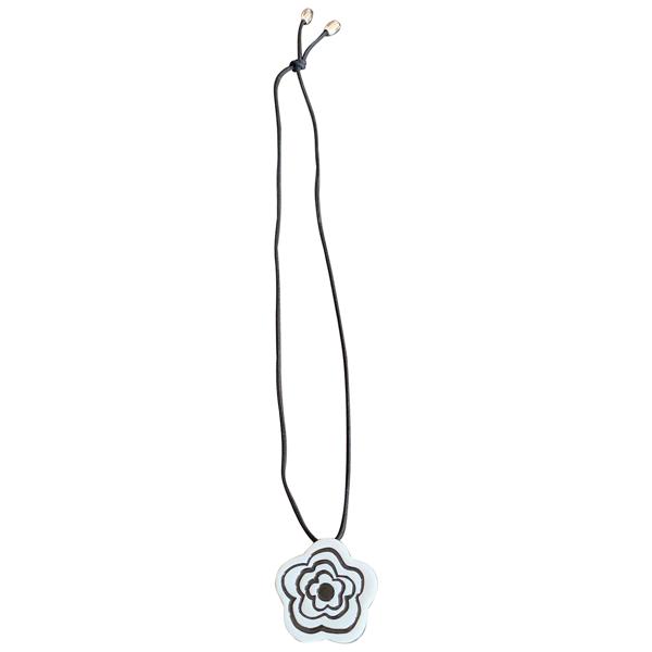Pre-owned Bernardaud White Glass Necklace