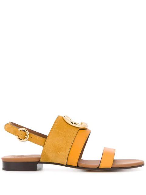 Chloé C Plaque Flat Sandals In Yellow