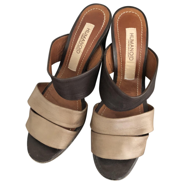 Pre-owned Humanoid Camel Leather Sandals