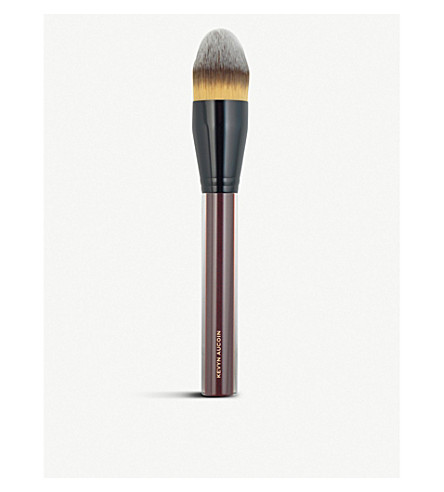 Kevyn Aucoin The Foundation Brush