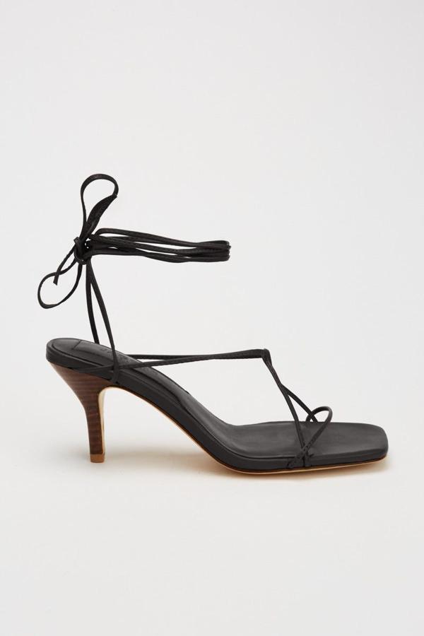 Jaggar Laced Sandal In Black