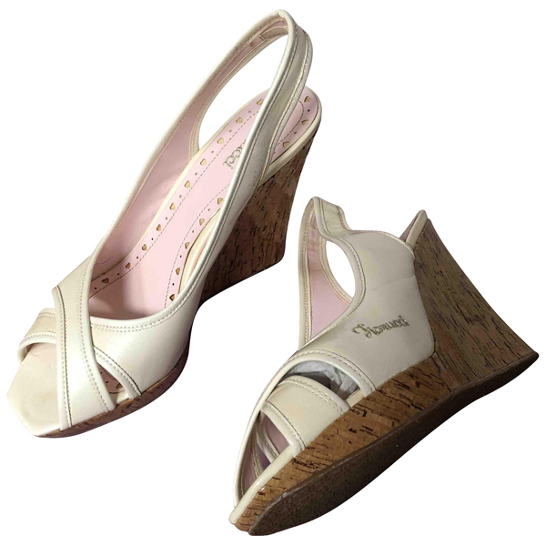 Pre-owned Fiorucci Beige Leather Heels