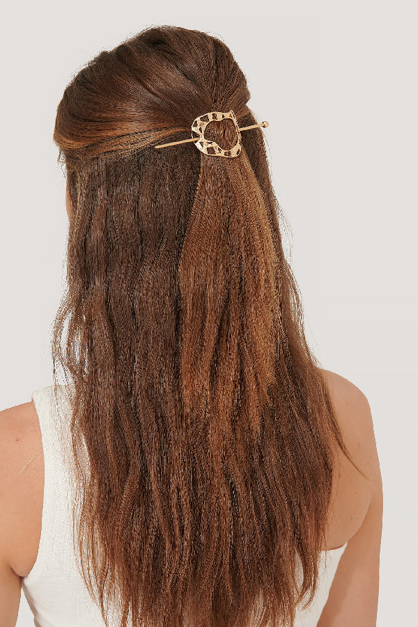 Na-kd Round Uneven Hairpin - Gold