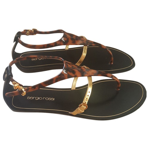 Pre-owned Sergio Rossi Gold Rubber Sandals