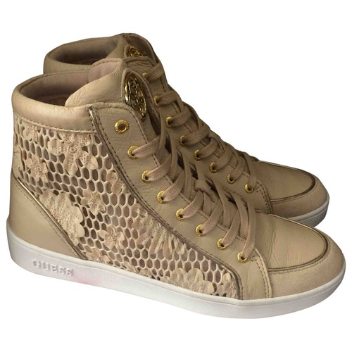 Pre-owned Guess Beige Leather Trainers