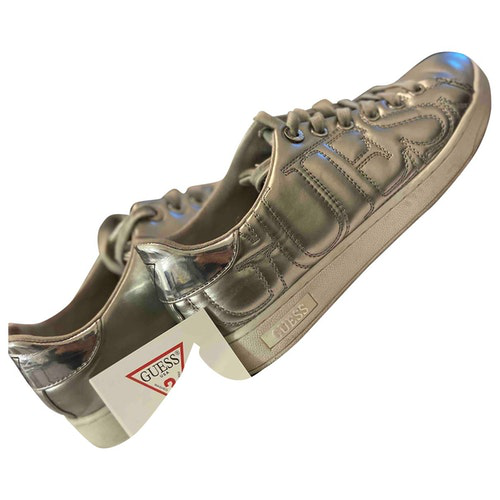 Pre-owned Guess Silver Leather Trainers
