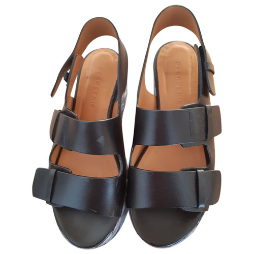 Pre-owned Robert Clergerie Black Leather Sandals