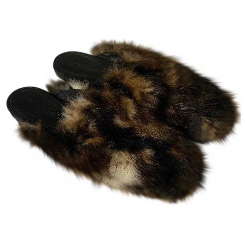 Pre-owned Helmut Lang Beige Faux Fur Sandals