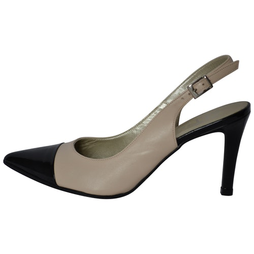Pre-owned Clyde Beige Leather Heels