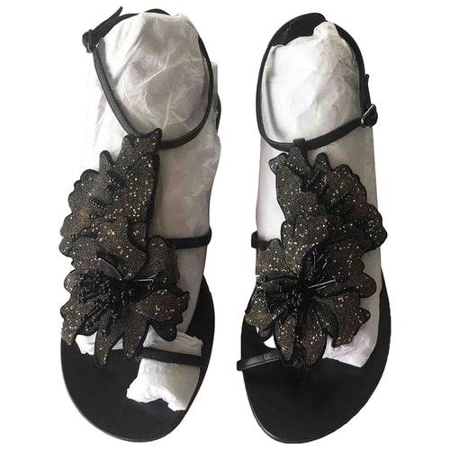Pre-owned Lola Cruz Black Leather Sandals