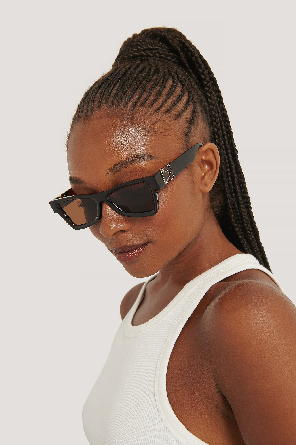 Na-kd Edgy Temple Detailed Sunglasses Brown In Brown/gold