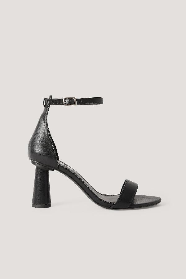 Na-kd Cone Shape Strap Heels Black
