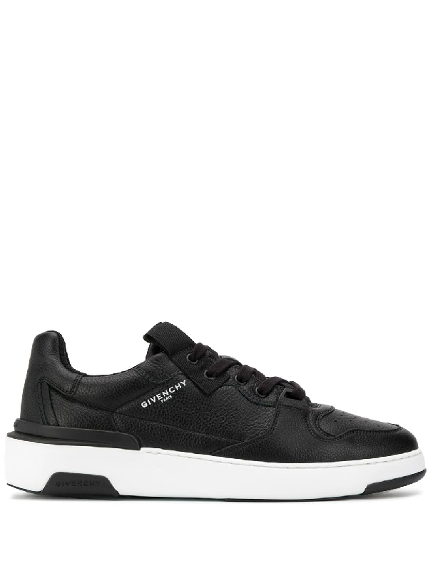Givenchy Wing Low Sneakers In Black Leather