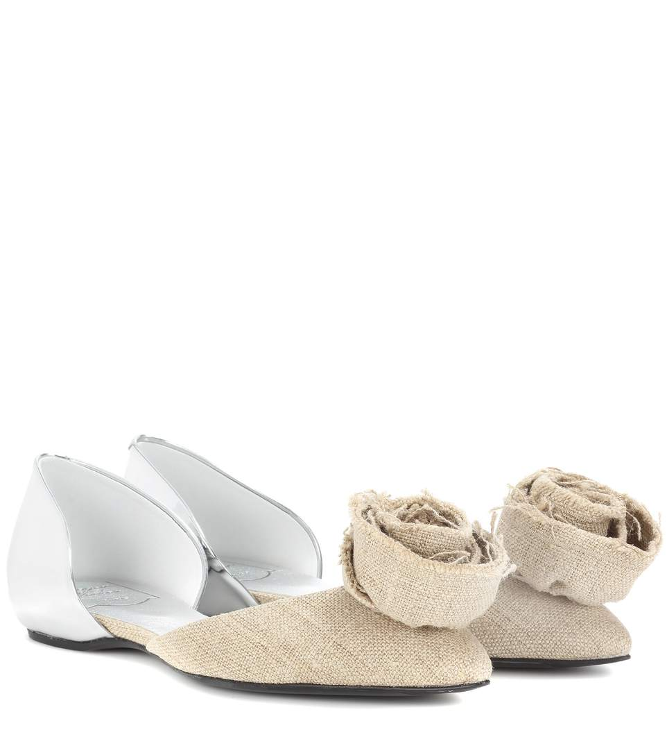Roger Vivier Rose N'roll Embellished Ballerinas In Beige