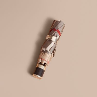 Burberry Check Folding Umbrella In Camel Check/black