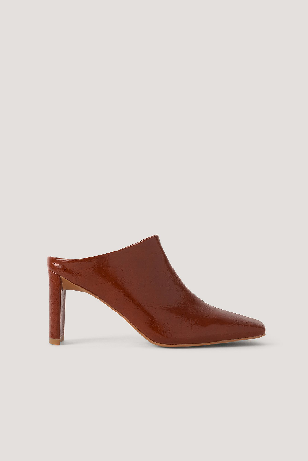 Na-kd Creased Upper Mules Red In Rustic Red
