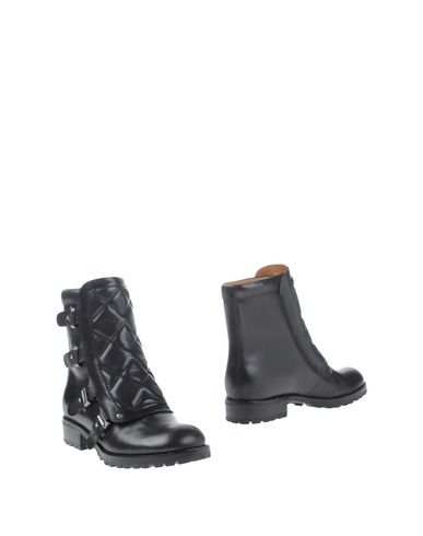 Marc By Marc Jacobs Ankle Boot In Black