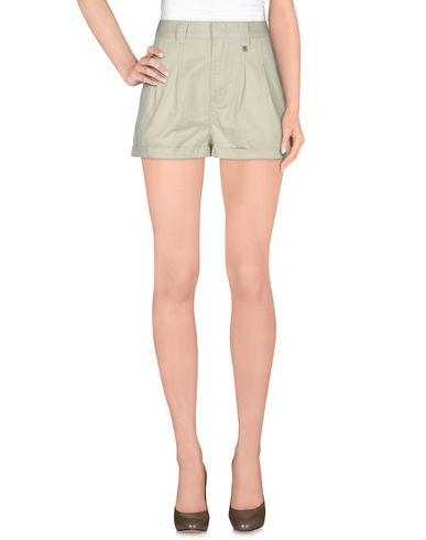 Wesc Shorts & Bermuda In Light Green