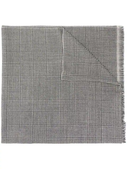 Lady Anne Houndstooth-print Scarf In Black