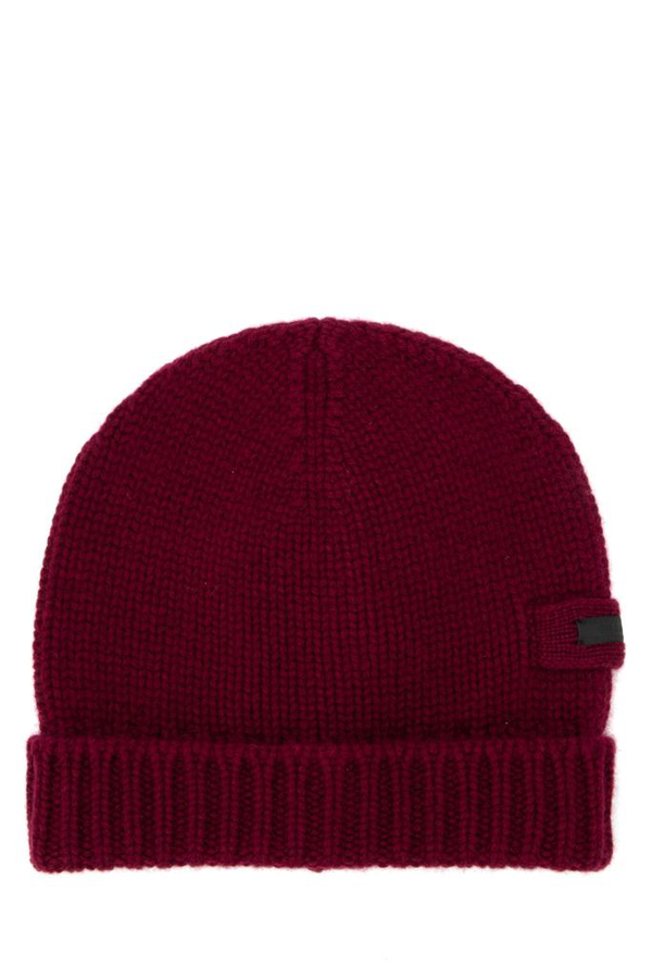 Prada Logo Patch Knitted Beanie In Red
