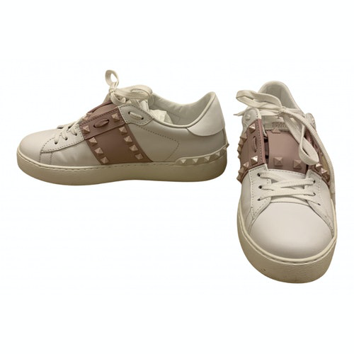 Pre-owned Valentino Garavani Rockstud White Leather Trainers