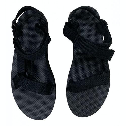 Pre-owned Teva Black Rubber Sandals