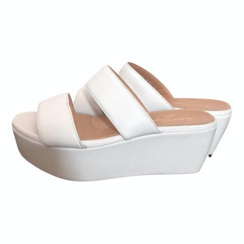 Pre-owned Robert Clergerie White Leather Sandals