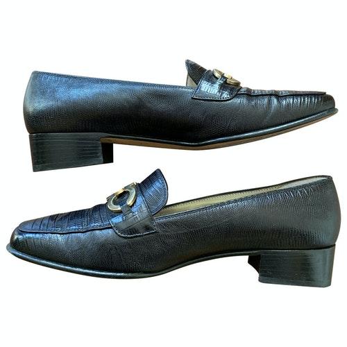 Pre-owned Salvatore Ferragamo Black Leather Flats