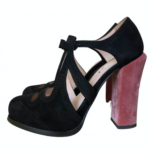 Pre-owned Fendi Black Suede Heels