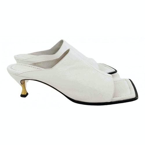 Pre-owned Bottega Veneta White Leather Sandals