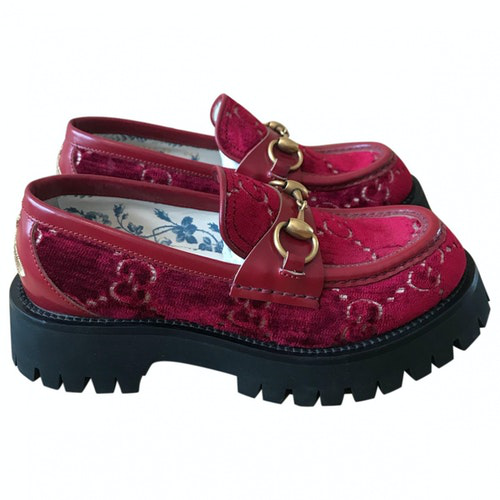Pre-owned Gucci Red Velvet Flats