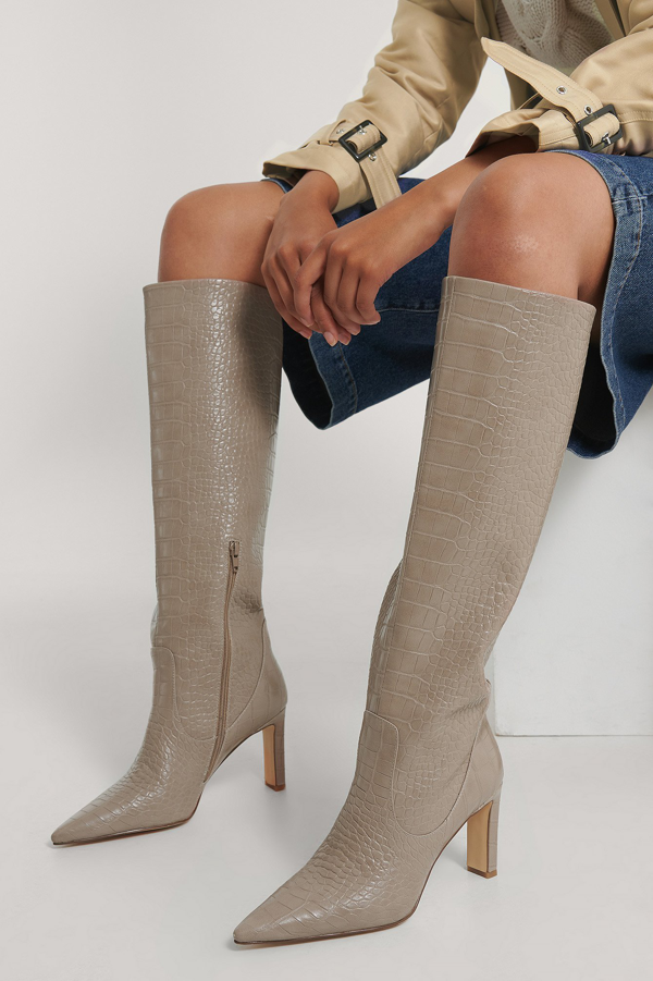 Na-kd Pointy Loose Shaft Boots Beige In Taupe