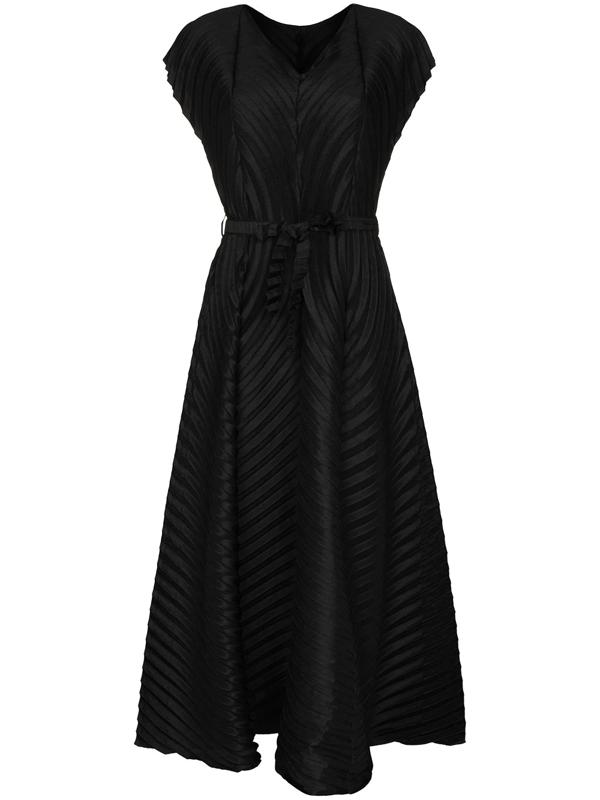 Issey Miyake V-neck Pleated Midi Dress In Black