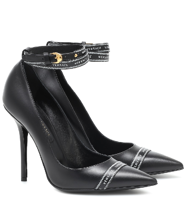 Versace Pumps In Black Leather