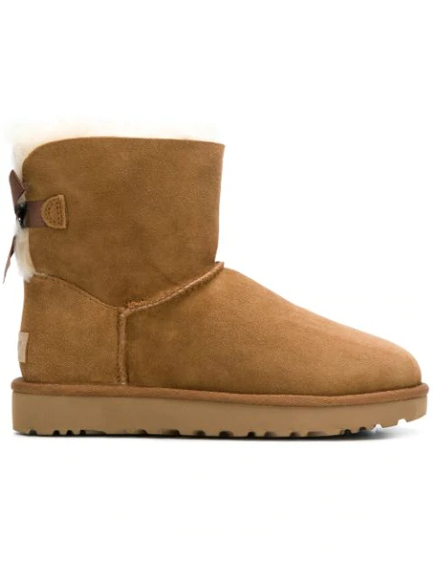 Ugg Mini Bailey Bow Boots In Chesteut