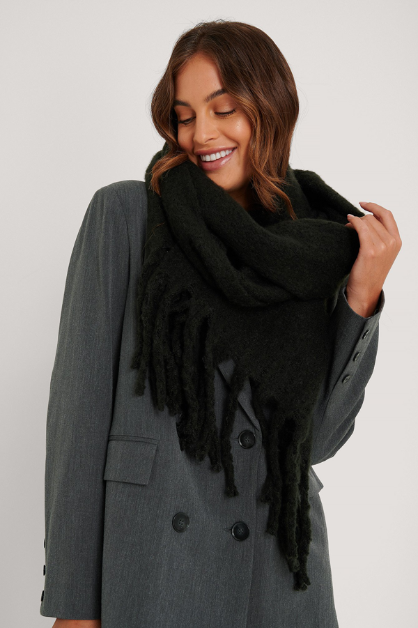 Na-kd Soft Braided Tassel Scarf Black