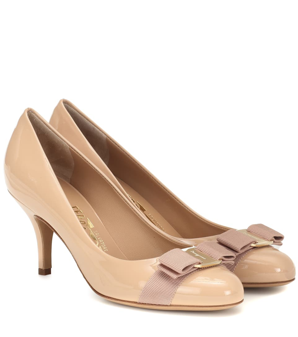 Salvatore Ferragamo Carla 70 Patent Calfskin Pumps With Grosgrain Bow In Beige