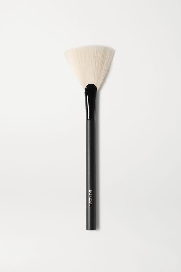 Rae Morris Jishaku 25 Fan Highlighter Brush - One Size In Colorless