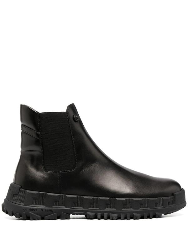 Versace Greca Rhegis Leather Boots In 黑色