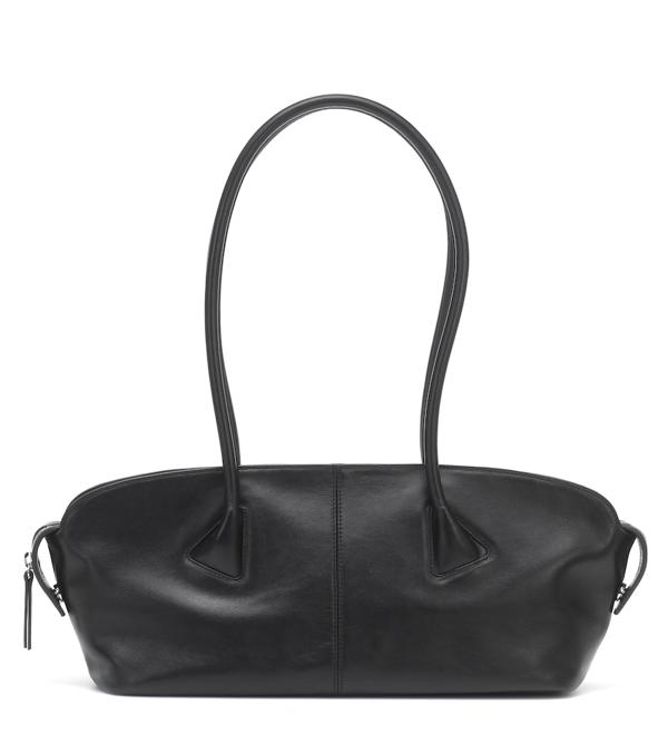 Low Classic Baguette Black Leather Shoulder Bag