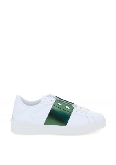 Valentino Garavani Rockstuds Sneakers In White