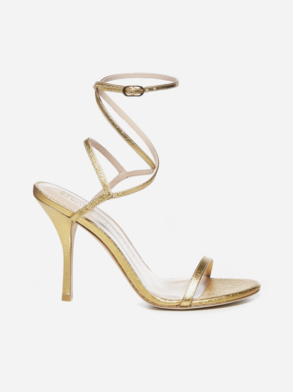 Stuart Weitzman Sandali Merinda In Nappa Laminata In Gold Textured Metallic Leather
