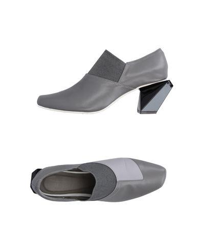 Issey Miyake Pumps In Grey