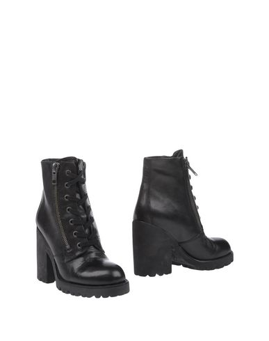 Ash Ankle Boot In Black